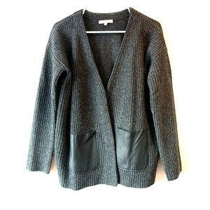 Madewell dark gray sweater with black pockets grey